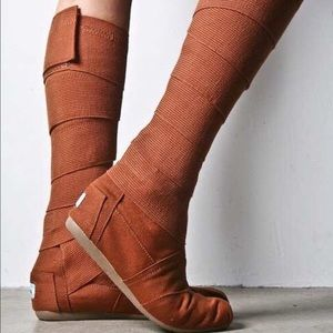 Toms Wrap Boots in Burnt Orange